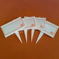 UNI cenovky 105 x 65 mm s výměnným štítkem_plastový bodec