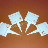 UNI cenovky 65 x 65 mm výměnným štítkem a plastovým bodcem